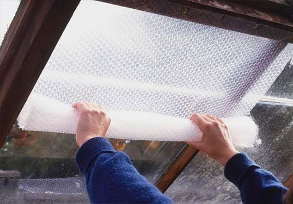 Bubble wrap window cover