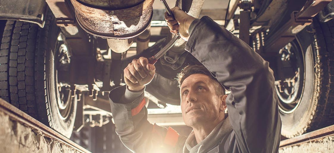 Avoid Mechanic Rip-Offs With These 7 Expert Tips
