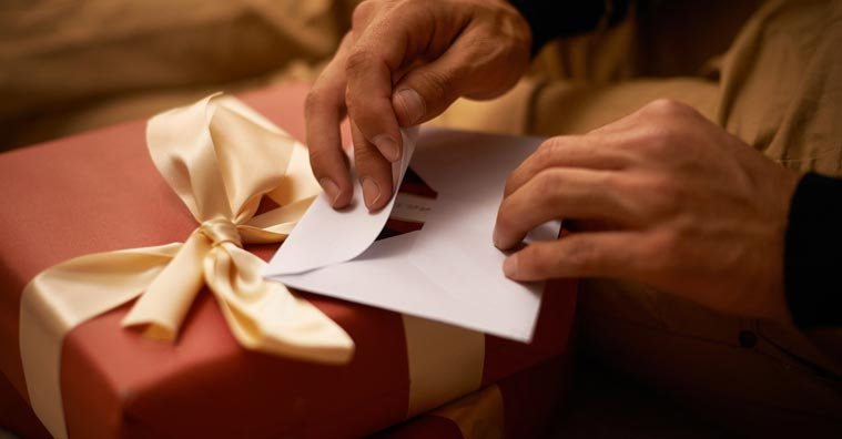 How to Determine the Perfect Gift for Anyone: Step-By-Step Guide & Expert Tips