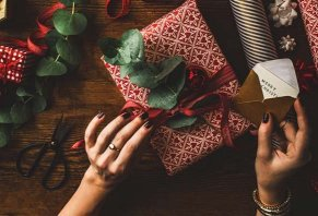 Five Holiday Gifts You Should Never Buy Generic