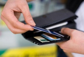 Pros and Cons of Store Credit Cards: Are They Worth It?