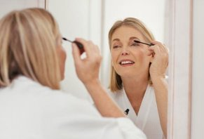 5 Best Makeup Brands for Women Over 40