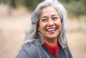 How to Go Gray Naturally or with Dyes: Comprehensive Expert Guide to Silver Hair