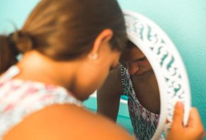 Expert Guide: Best Acne Treatments for Teenage Girls